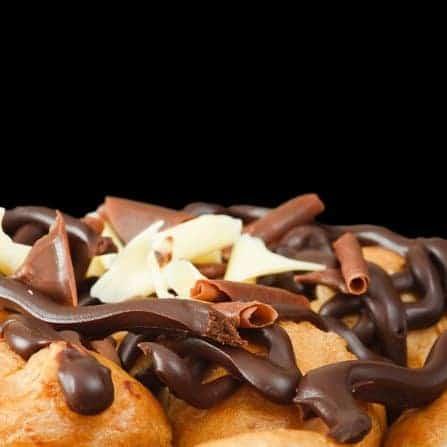 Profiteroles mit Schokolade