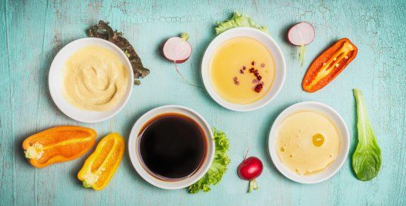 Leckeres und gesundes Balsamico-Honig-Senf-Dressing für jeden Tag