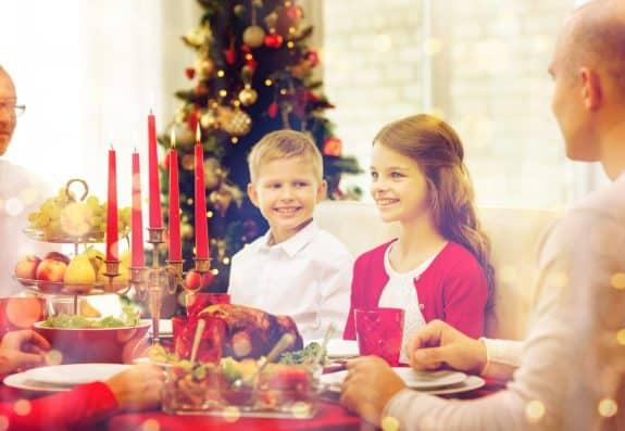 Familie-Weihnachten-Essen
