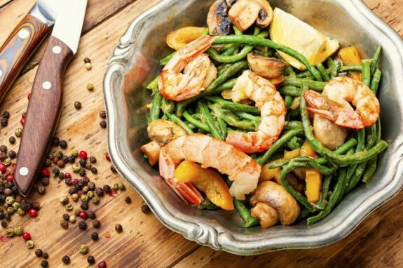 Spargelsalat mit Shrimps
