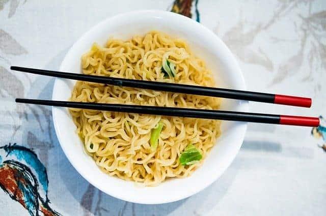 Ramen, die japanischen Nudeln sowie die Bezeichnung für die traditionelle Ramen-Suppe