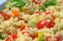Leckerer Couscous Salat mit Tomaten und Feta