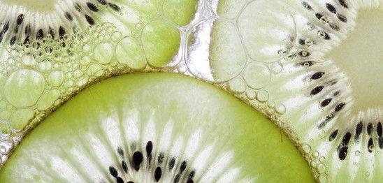 Foto einer Kiwi, der typischen Frucht Neuseelands