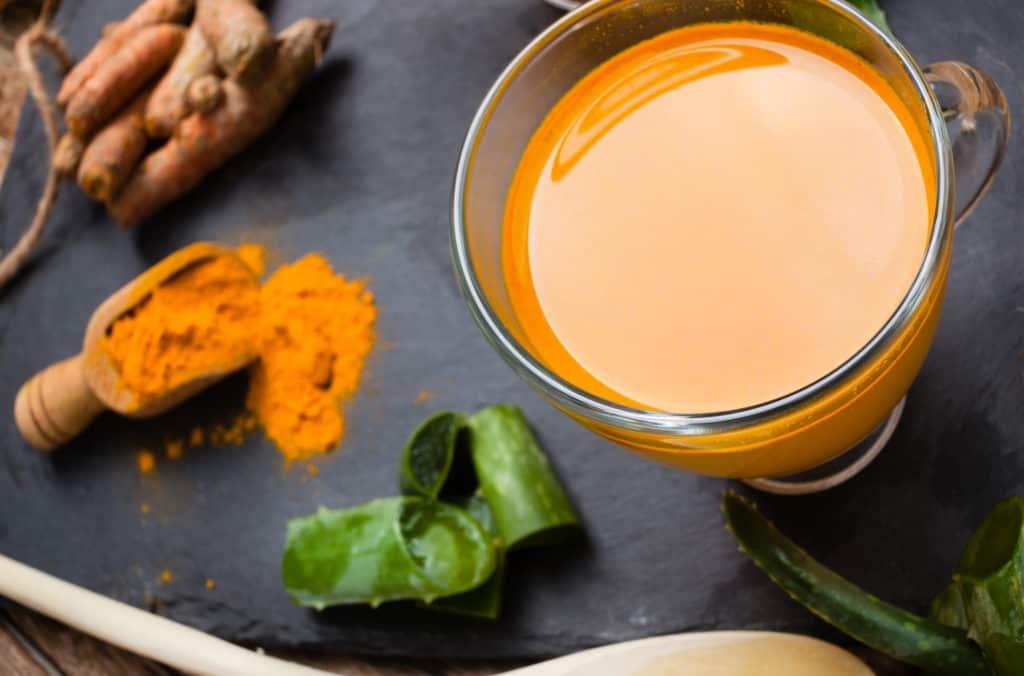 Turmeric/Kurkuma Getränk mit Aloe Vera