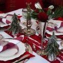 Roter weihnachtstisch