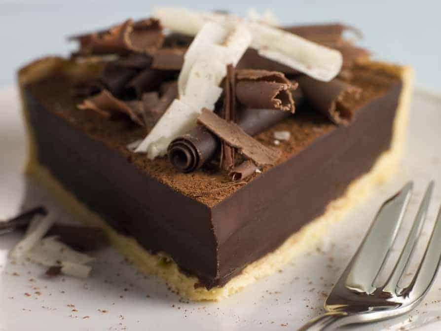 Tarte au Chocolat auf Mandelboden